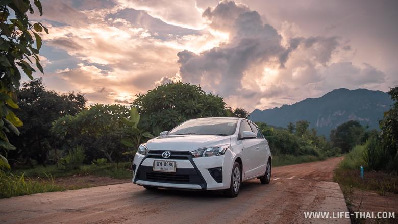 В Чиангмае мы арендовали машину Toyota Yaris