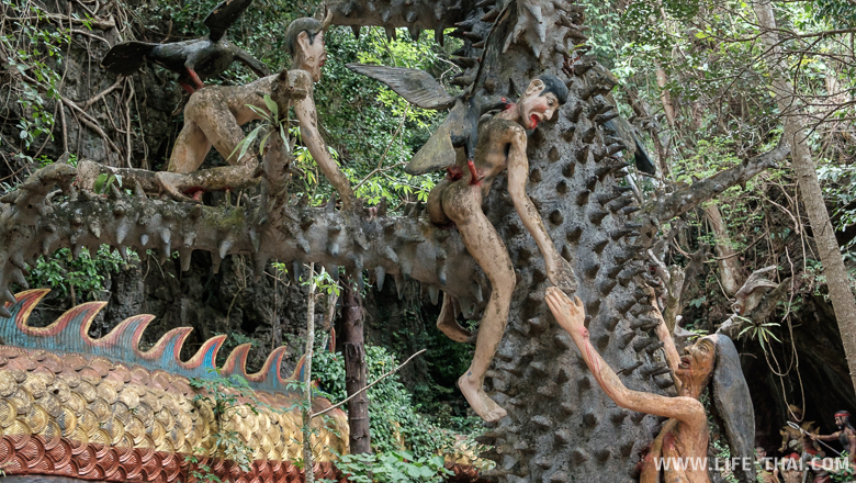 Наказания за грехи в храме Рая и Ада в Таиланде
