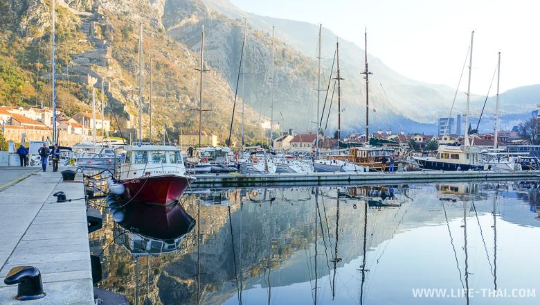 Черногория - очень красивая страна. Яхты в Боко-Которском заливе