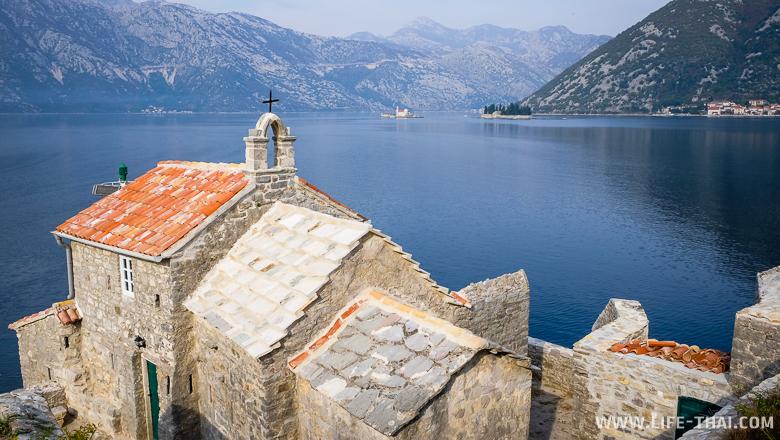 Черногория - христианская страна. Церковь-маяк у Боко-которского залива