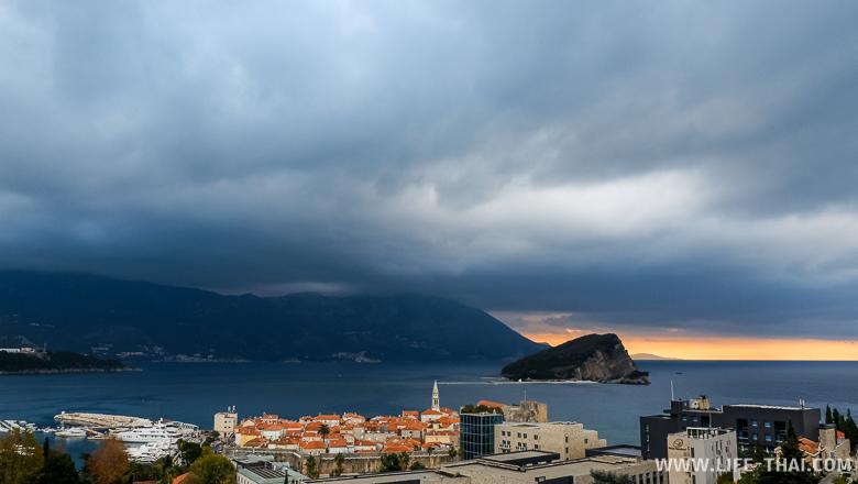 Зима в Черногории не тёплая, но и не морозы. Просто затяжной дождь