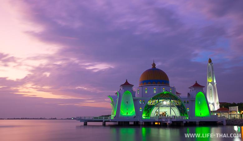 Мечеть в Малаке, Малайзия