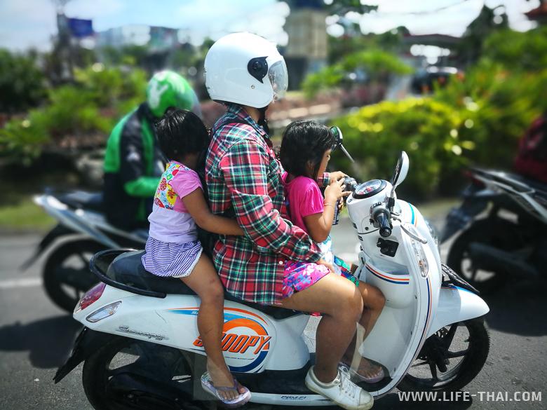На дорогах Бали, Индонезия