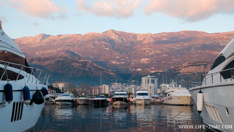 Будва, экскурсии на яхтах популярны в Черногории