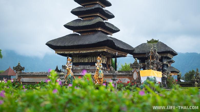 Храм на Бали, Индонезия