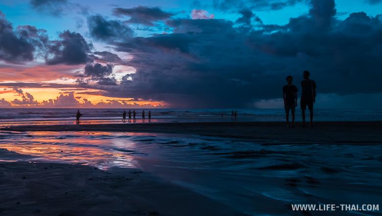 Закат на острове Бали, Индонезия