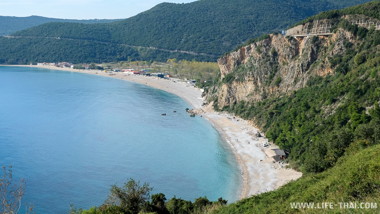 Пляж Яз за Будвой