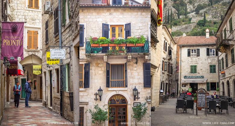 Старый город в Которе - одна из лучших достопримечательностей Черногории
