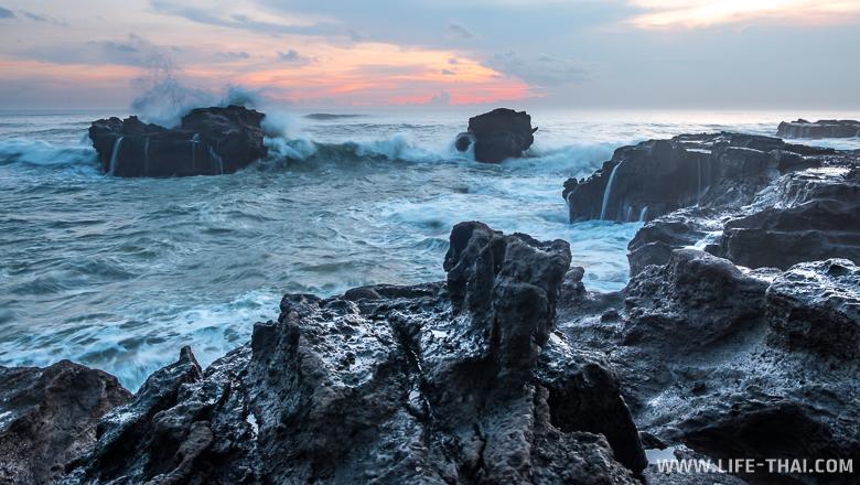 Океан штормит, Бали