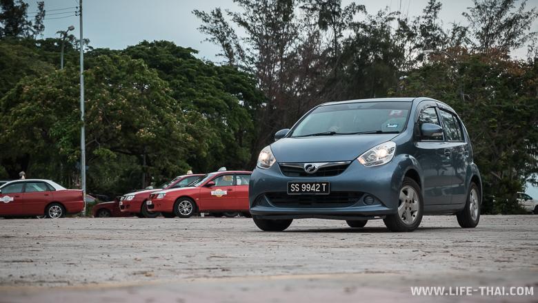 Машина, которую мы арендовали на Борнео, Малайзия