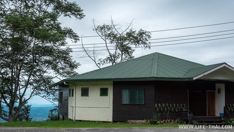 """Резорт в нац. парке """"Крыша Борнео"""", Малайзия"""