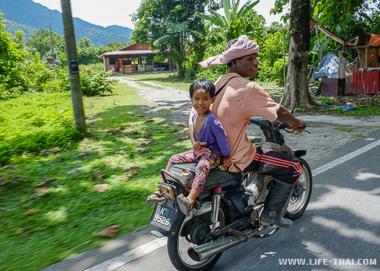 Рыбаки - жители Лангкави