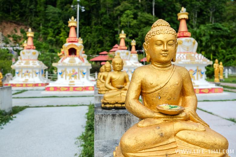 Буддийский храм на острове Лангкави, Малайзия