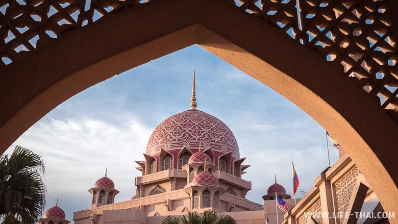 Путраджайя - административная столица Малайзии
