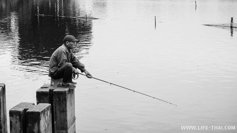 Одинокий рыбак в Ханое