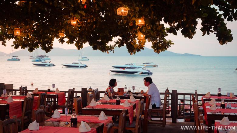 Один из ресторанов в Fisherman Village на Самуи