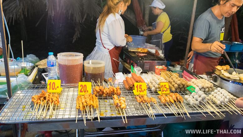 Цены на ночном рынке на шашлычки на Самуи