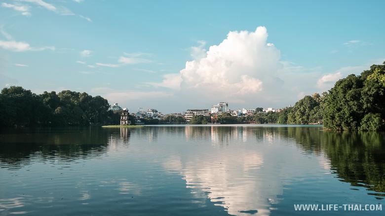 Район около озера Хоанкием в Ханое