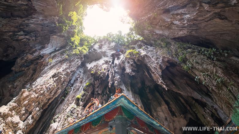Светлая пещера - храмовая пещера Бату