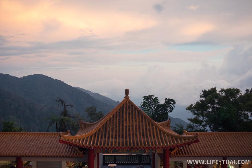 Что посмотреть рядом с Куала Лумпуром: Гентинг Хайлендс и китайский храм