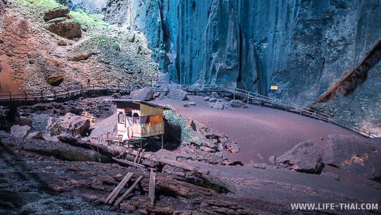 Домик в пещер Гоматонг