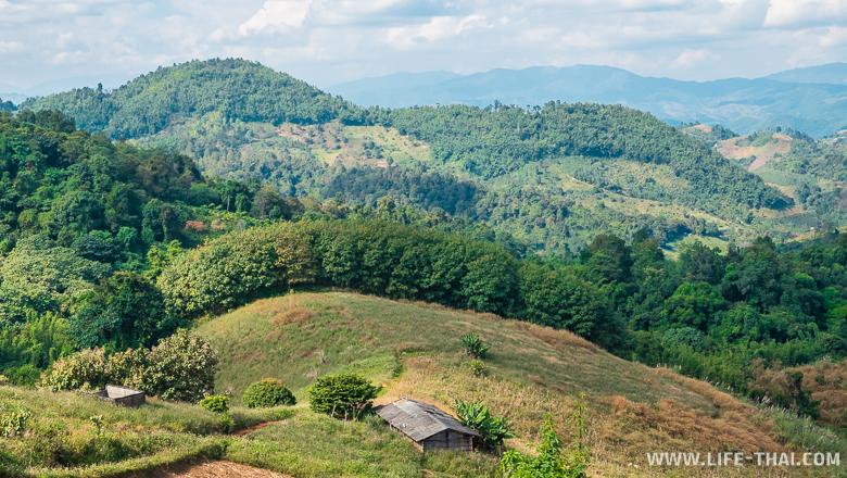 Виды на окрестности в Мэсалонг как достопримечательность деревни