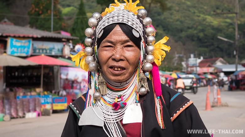 Представительница одного из горных народов севера Таиланда - лису