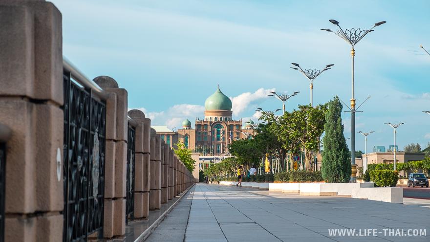 Резеденция премьер-министра Малайзии в Путраджайе