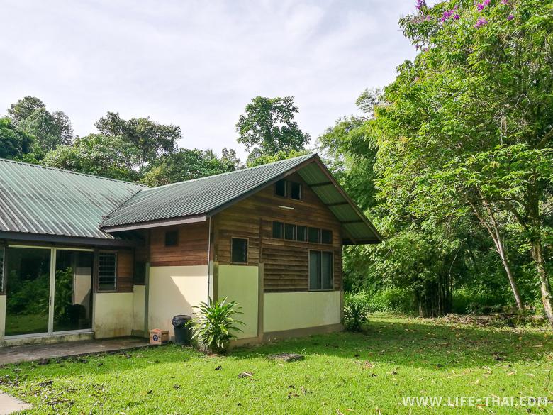 Бунгало в джунглях, Сепилок, Малайзия