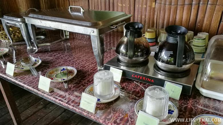 Завтрак по типу шведский стол в Sepilok B&B