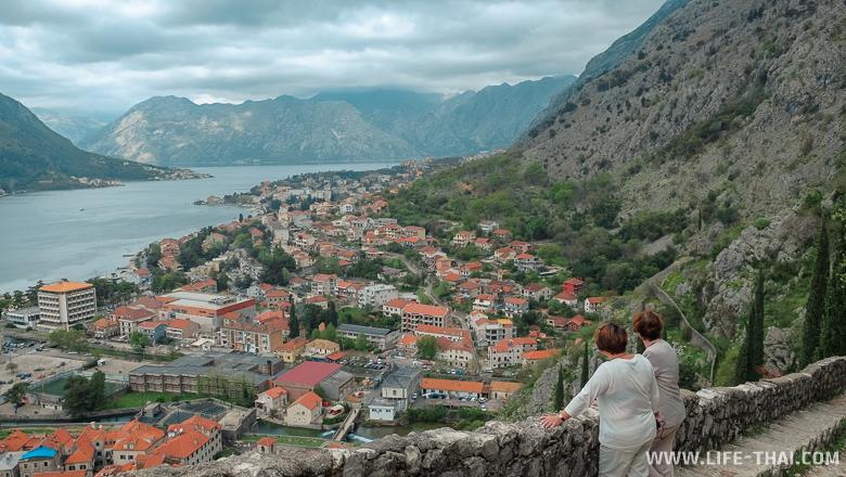 Погода в апреле в Черногории - может и солнечно, а может и целый день дождь лить