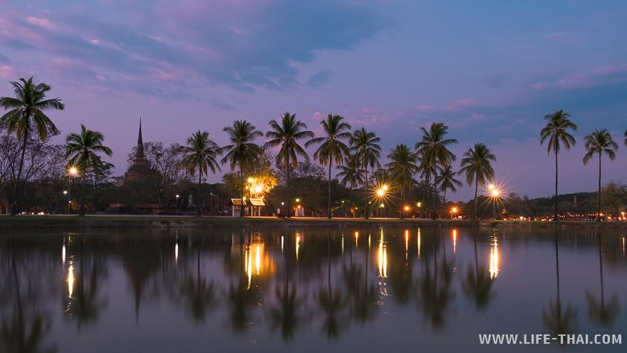 Такая красота в парке после заката