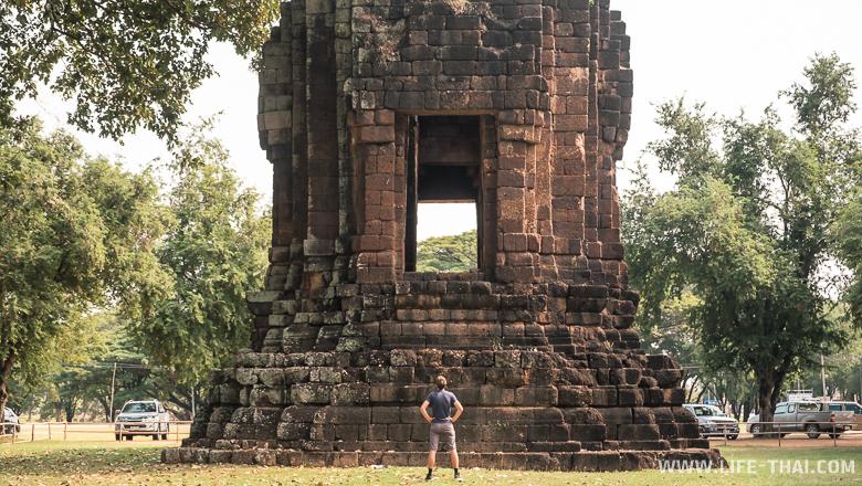 Остатки кхмерского храма в Сукхотае
