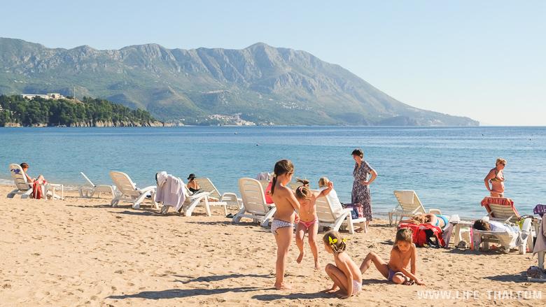 Погода в октябре в Черногории. Пляжный сезон заканчивается.