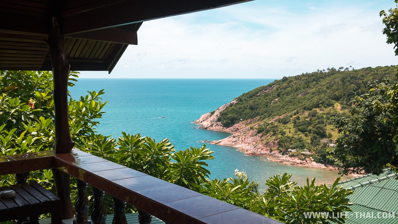 Недорогой бунгало с верандой и видом на море на острове Панган