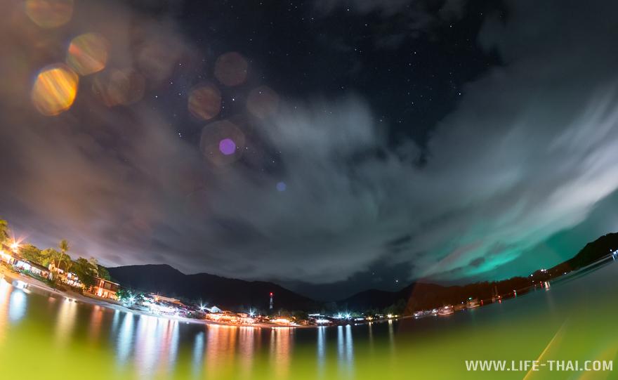 Пляж Чалоклам ночью, фото с пирса Чалоклам