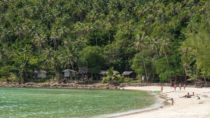 Бунгало на берегу, остров Панган