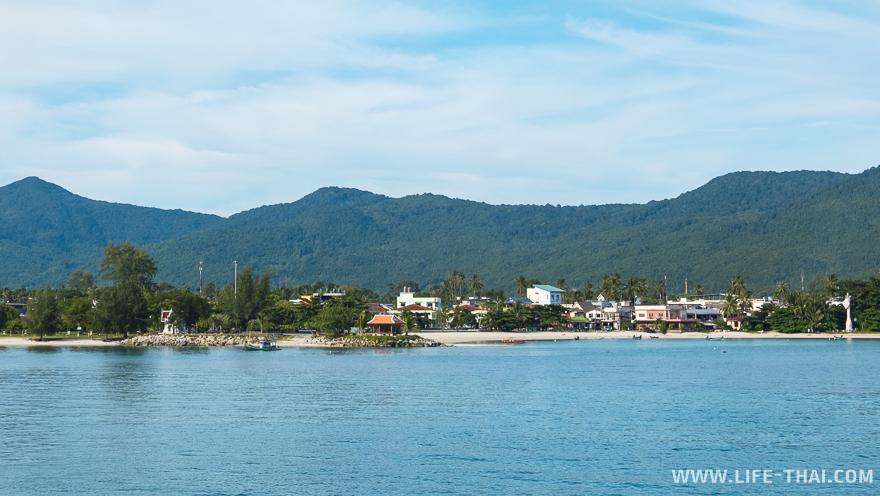 Несмотря на порт, Тонгсала - красивый песчаный пляж