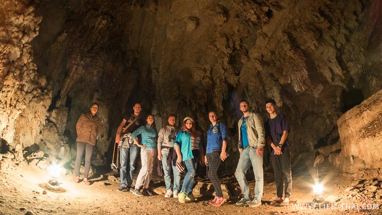 Вся наша компания и гиды в пещере