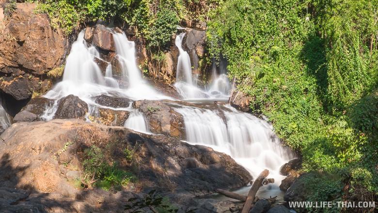 Водопад Pha Suea недалеко от Мэхонсонга