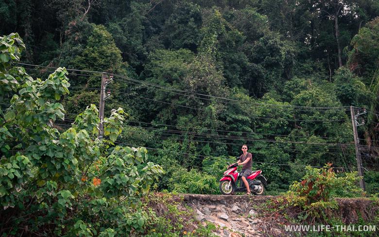 Аренда байка на острове Чанг в Таиланде