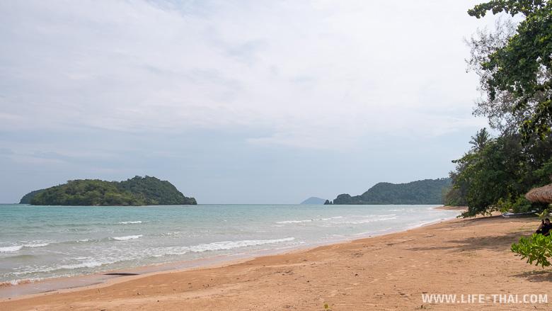 Пляж на ко Маке