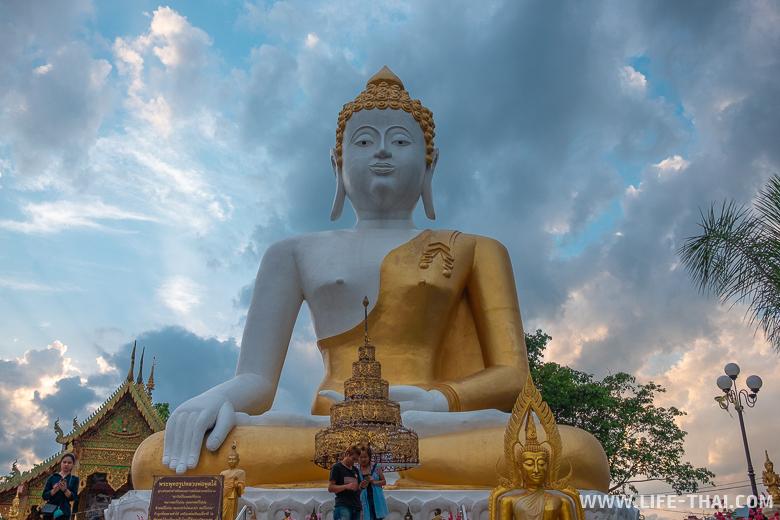 Храм на горе в Чиангмае