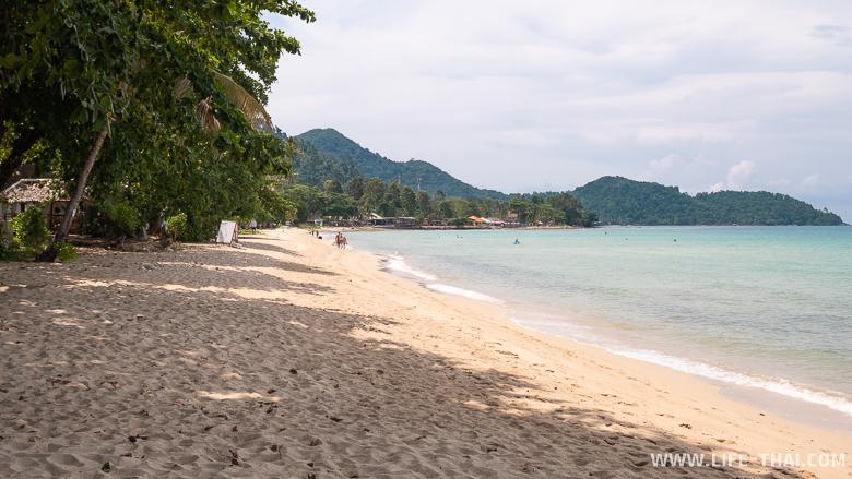 Пляж Лонели бич на ко Чанге