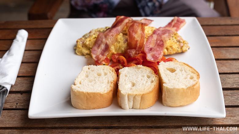 Завтрак в отеле на ко Чанге