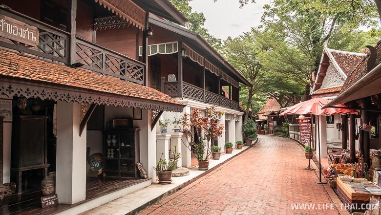 Старый рынок, Old Town market в парке Ancient Siam