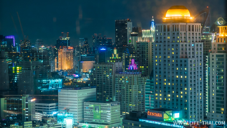 Вид из окна номера в Baiyoke Sky Hotel