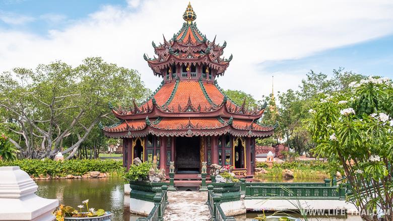 Павильон Пра Кео в парке Ancient City