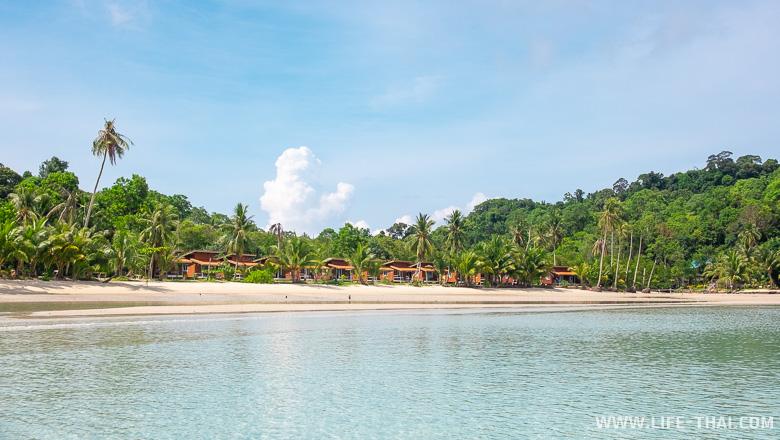 Бунгало на пляже Саям бич