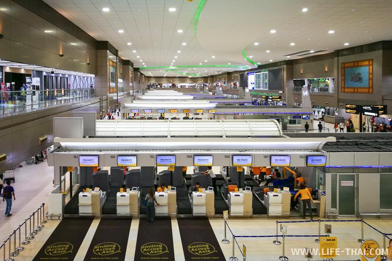 Зал регистрации на рейсы в аэропорту Дон Муанг